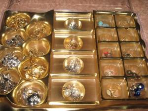 como guardar bijuterias