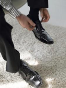 como combinar meias com sapatos