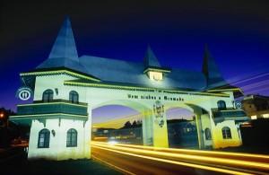 Essa cidade também é conhecida pela boa culinária e ótimos vinhos.