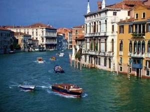 A cidade oferece ótima gastronomia, hotéis encantadores e vários passeios