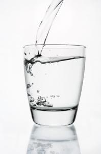 Águas, sucos e chás são benéficos.