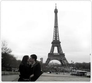 A torre Eiffel é um dos símbolos mais românticos do mundo.
