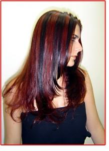 São existentes também cabelos vermelhos, com mechas rosa, loiro e marrom.